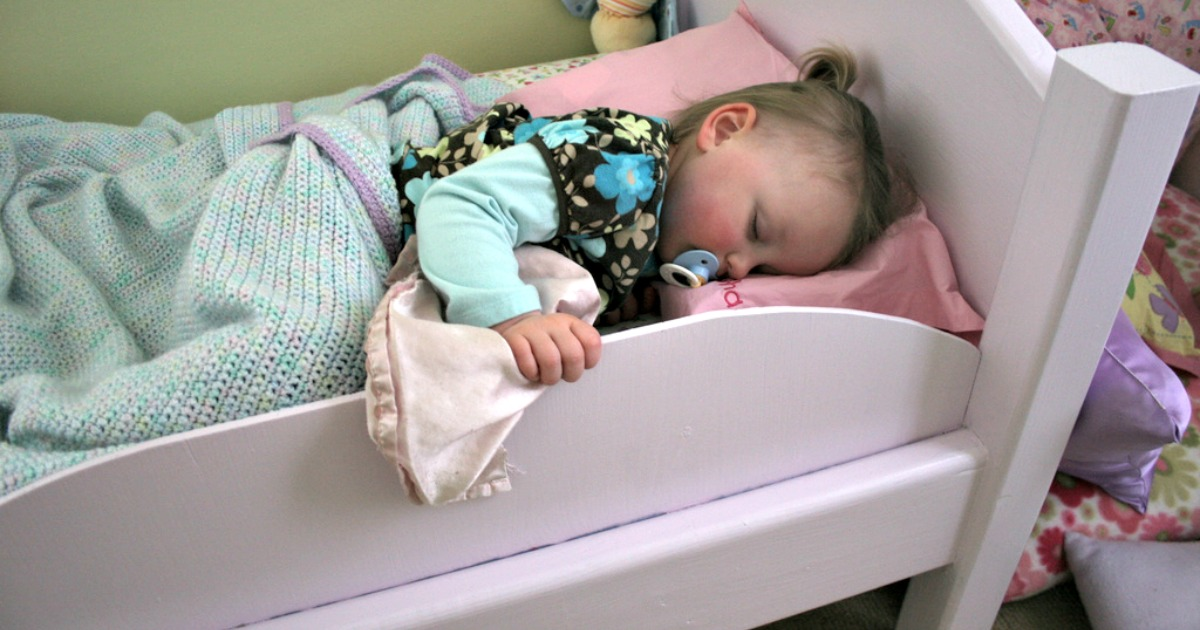 get toddler to stay in bed